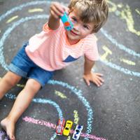 自制可以在马路涂鸦的大粉笔〖孩子就是艺术家〗