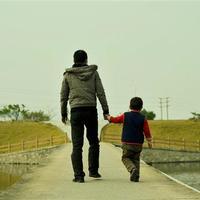 男孩成长的不同阶段,父亲所起的作用